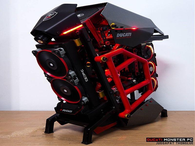 Ducati Monster PC por Juggapat Thonglue
