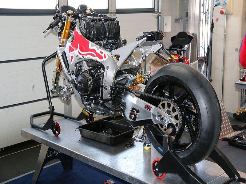 WSBK Red Bull Honda Fire Blade S1000RR SP2 trasera