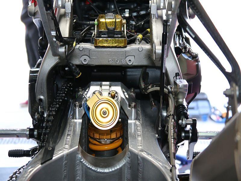 WSBK Red Bull Honda amortiguador
