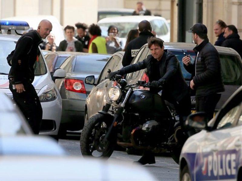 Tom Cruise - Rodaje MI6 - BMW R NineT