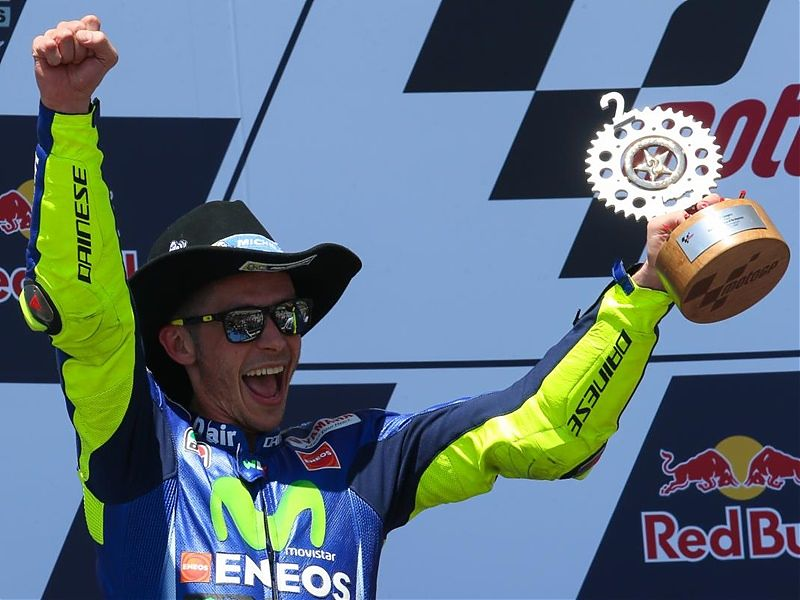 Valentino Rossi vuelve a liderar el mundial