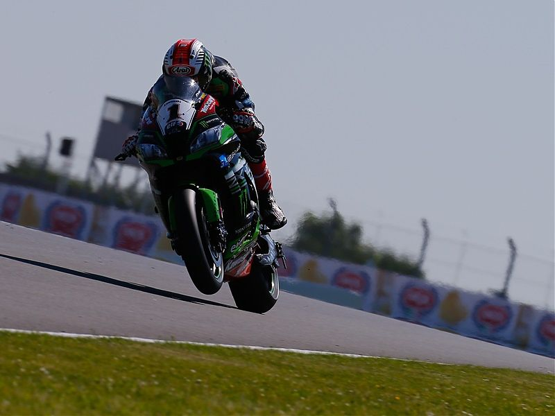 Jonathan Rea imparable en Donington