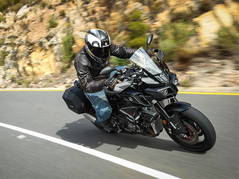 Yamaha MT-10 Tourer en acción