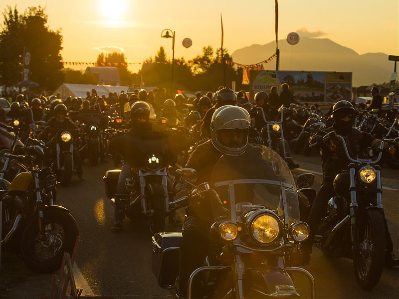 Multitudinaria acogida de la European Bike Week 2017