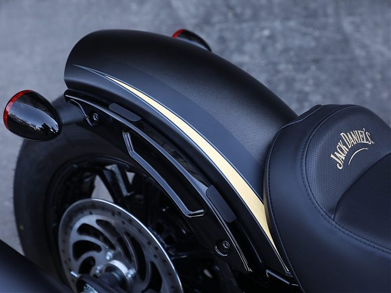 Indian Scout Bobber Jack Daniel's Limited Edition - detalle
