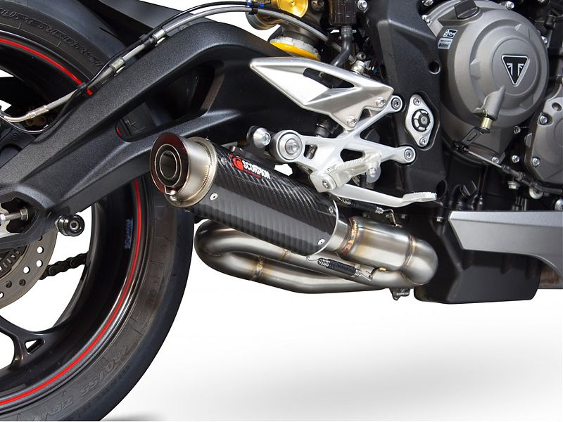 Scorpion Exhausts viste a la Street Triple 765