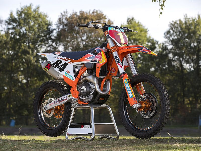 Espectacular estampa de la KTM Herlings Replica