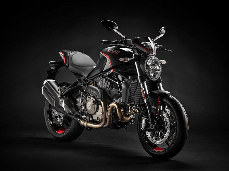 Ducati Monster 821 Stealth, vista frontal 3/4