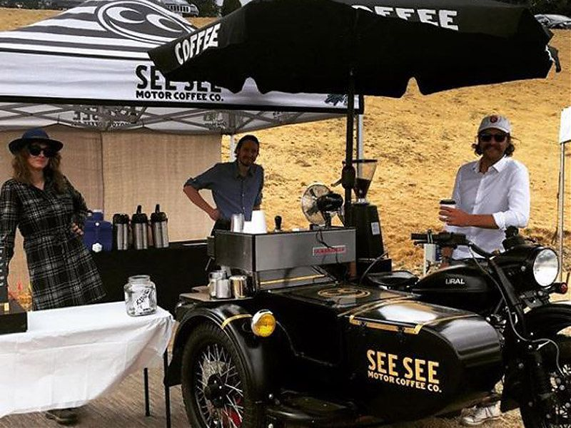 Ural CT See See Motor Coffee Co. en pleno evento