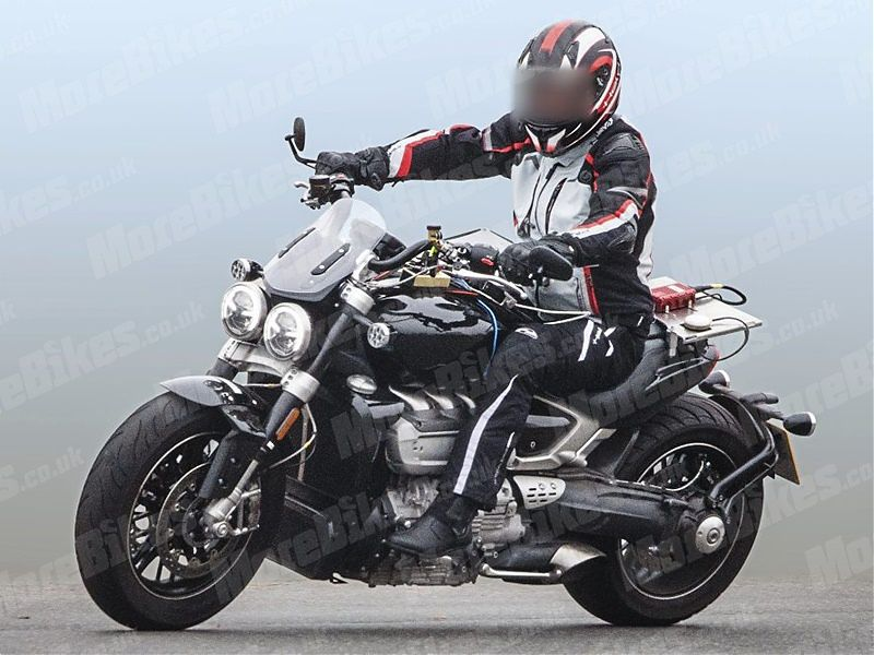 Triumph Rocket III 2020 - lateral