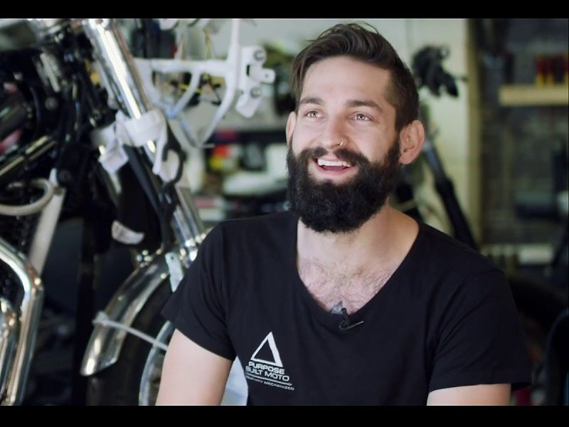 Tom Gilroy, propietario de Purpose Built Moto