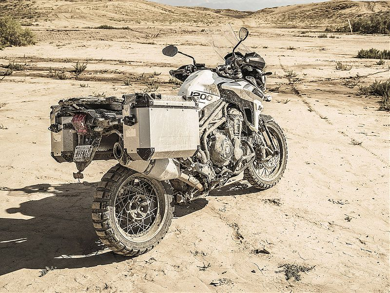 Triumph Tiger 1200 XCA con kit Expedition