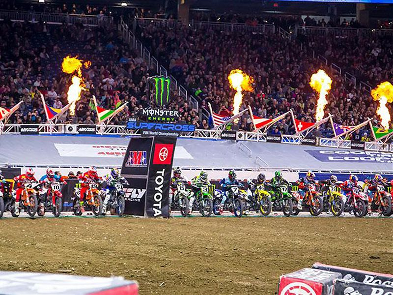 Salida AMA Supercross en Detroit