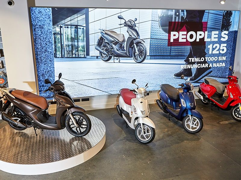 KYMCO Showroom Madrid interior