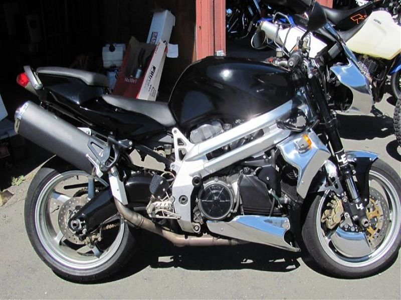 Aprilia Falco StreetFighter - lateral