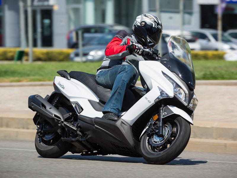prueba kymco grand dink 300 e4 2016 ascenso gt motos kymco scooter. Black Bedroom Furniture Sets. Home Design Ideas