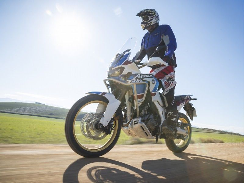 AfricaTwin Adventure Sports off road junto a Loja en acción