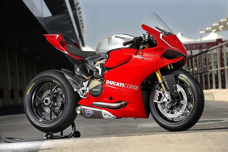 Ducati 1199 Panigale S con especificaciones Superstock