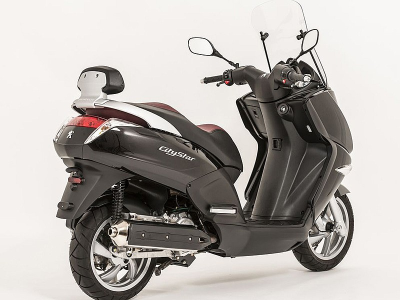 compra un peugeot satelis o citystar y ahorra en accesorios motos peugeot scooters scooter. Black Bedroom Furniture Sets. Home Design Ideas
