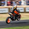 Jeremy McWilliams con la KTM 1290 Super Duke R en Goodwood.