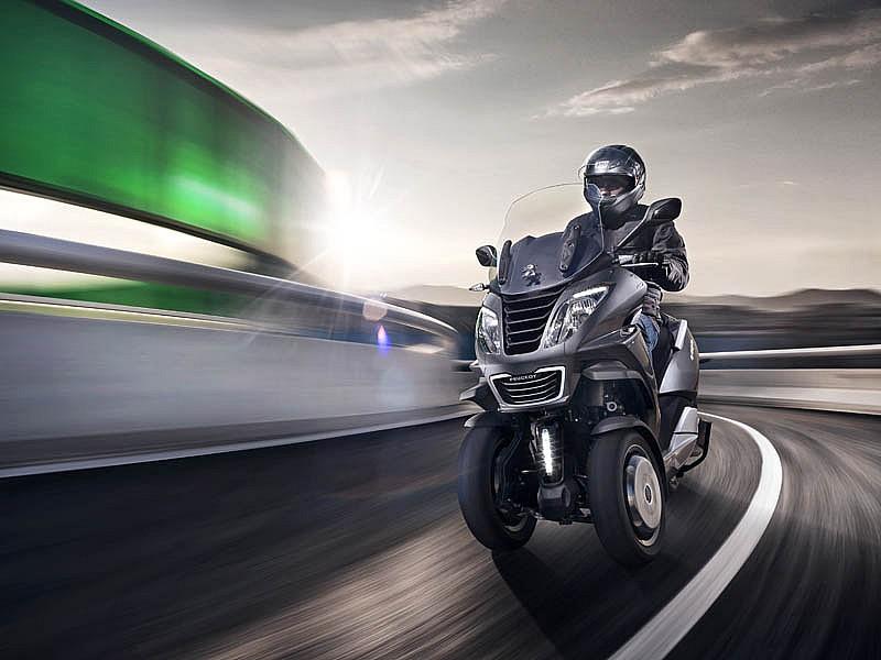 la web vente privee pone a la venta 102 scooters peugeot con hasta el 31 de descuento motos. Black Bedroom Furniture Sets. Home Design Ideas