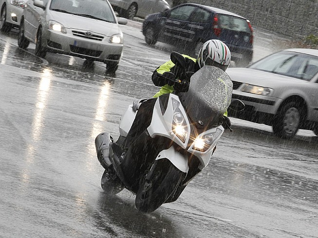 Image result for moto lluvias