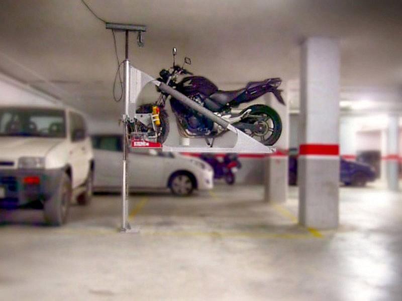 Motolift guarda tu moto encima del coche motos mundo - Accesorios para garajes ...