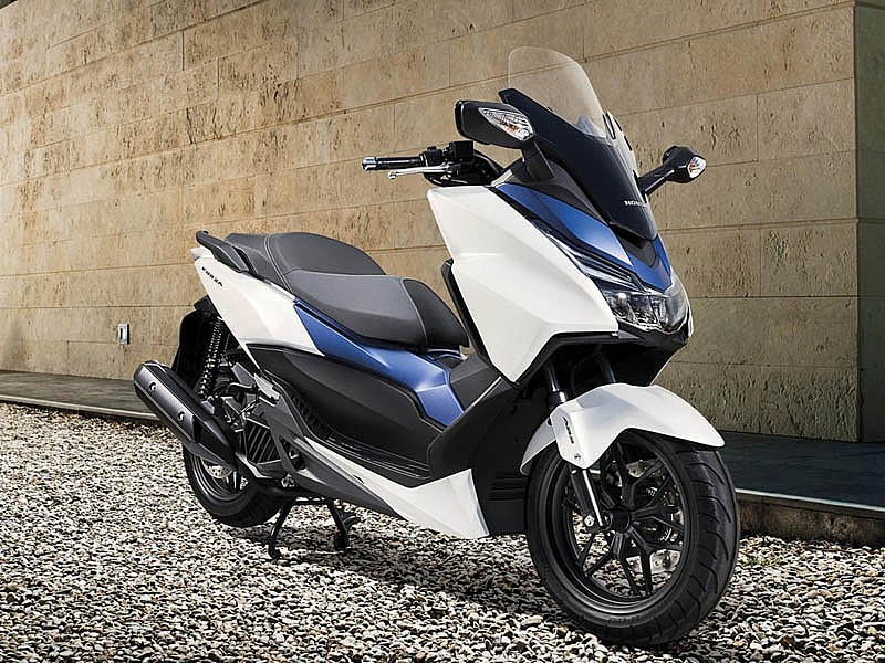 honda forza 125 vs pcx 125 parecidos o diferentes motos honda scooter 125. Black Bedroom Furniture Sets. Home Design Ideas
