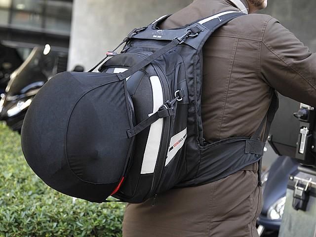 a7b59895078 Prueba mochila GIVI XS317: la compañera ideal | Motos | Givi ...