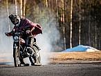 """Drift """"a saco"""" con una moto de ¡1,5CV!"""