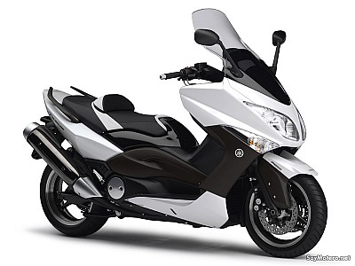 yamaha tmax white max ficha t cnica fotos v deos comentarios y m s. Black Bedroom Furniture Sets. Home Design Ideas