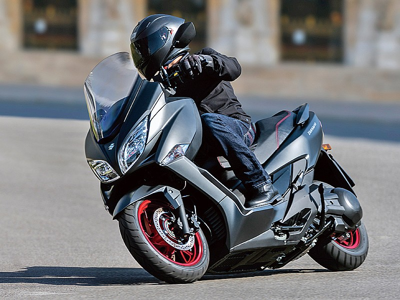 suzuki burgman 400 2017 el atleta elegante motos. Black Bedroom Furniture Sets. Home Design Ideas