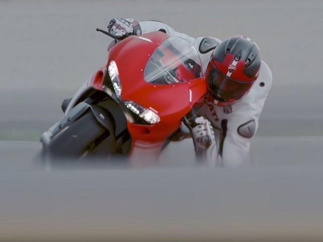 La mega-superbike ya está aquí