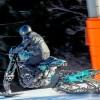 Harley–Davidson Roadster Snow Drag, trasera
