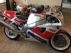 Motos de ensueño a la venta: Yamaha FZR750R (OW01)