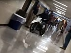 Pasearse por dentro del instituto en moto no es una buena idea